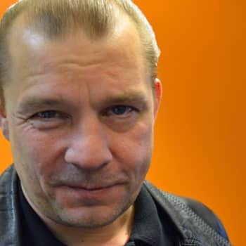 Yövieras: Niko Ahvonen piti pitkän levytystauon