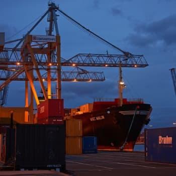 EU:n ja Yhdysvaltojen parhaillaan neuvottelema vapaakauppasopimus herättää epäilyksiä laajoissa kansalaispiireissä.