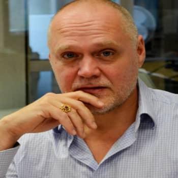 Yövieras: Timo Kiiskinen on satojen hittien mies