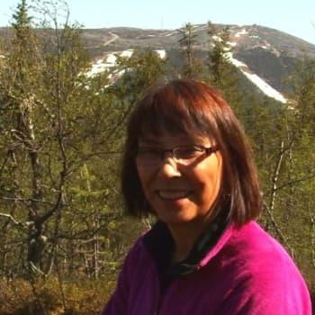 Tienviittoja: Turistipappi Kerttu Venäläisestä Oulun hiippakunnan ensimmäinen naiskirkkoherra