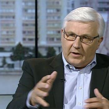 Ykkösaamun kolumni: Risto Uimonen: Svengaava, tviittaava ja spurttaava puheenjohtaja