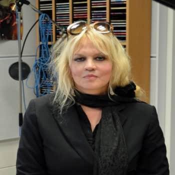 Yövieras: Maritta Kuula puhuu musiikista, elämästä ja kuolemasta