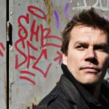 """Taiteilijaelämää: Jazzrumpali Markus Ketola:""""Rumpujen soittamisen on tunnuttava kropassa."""""""