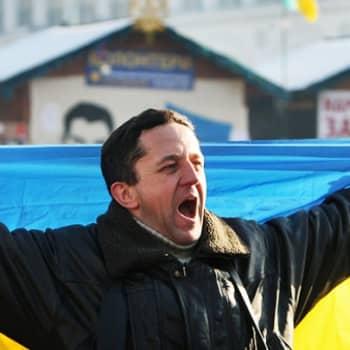 Maailmanpolitiikan arkipäivää: Ukraina huutaa muutosta