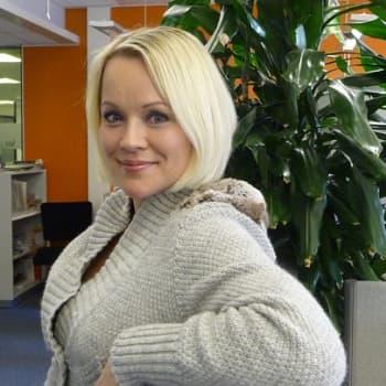 Yövieras: Heidi Pakarisen positiivisuus tarttuu kuuntelijaan