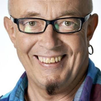 Roihan kirja: Antti Tuuri: Alkemistit - Maallinen rakkaus