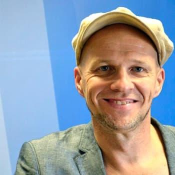 Yövieras: Jussu Pöyhönen teki levyn yhteisörahoituksella