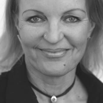 Viikon kirja: Kirjailija Annamari Marttinen: Mitä ilman ei voi olla