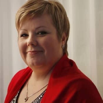 Viikon kirja: Kirjailija Kristiina Vuori: Näkijän tytär