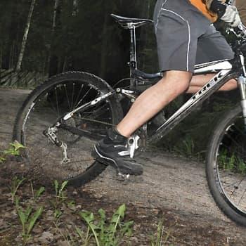 Puheen Iltapäivä: Kesän menopeli: Maastopyöräilyssä yhdistyy fillarointi ja motocross