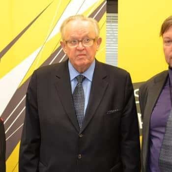 Leikola ja Lähde: Ahtisaari ihailee Mandelaa varauksetta