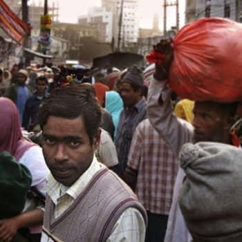 Ivalolainen Intiassa: Bangladesh