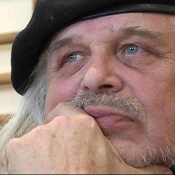 Kirjailija Heikki Turusta haastattelee Markus Turunen.