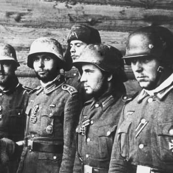 Toinen maailmansota: Huhtikuu 1942
