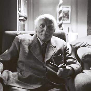 Yksilöllisyyden profeetta  C. G. Jung (1961)