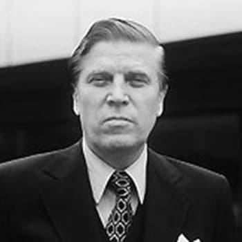 Viikon henkilö. Johannes Virolainen tentissä (1964)