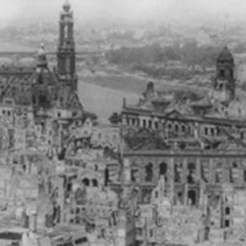 Sotapakolaiset pommituksissa 1945 (1996)