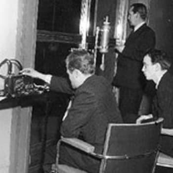 Sanomalehtimiehiä ja vaiherikkaita vuosia: Talvisodan aika (1957)