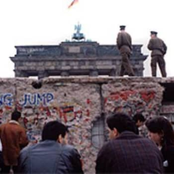 DDR:n kuohunnan taustaa