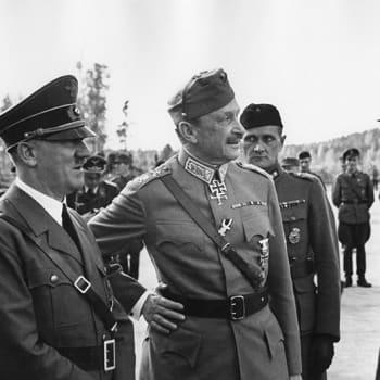 Hitler Mannerheimin syntymäpäivillä 1942 (2002)