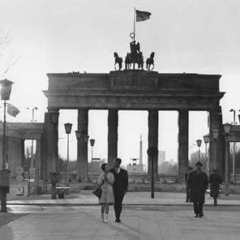Ihmisiä tämän päivän Berliinissä