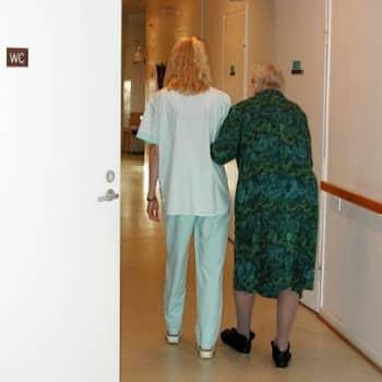 Teemana terveys: Hoitotyön henkilöstömitoitus on kimurantti juttu