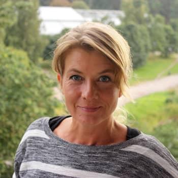 Pirlaxbördiga Jeanette Björkqvist får träffa sin mamma inomhus igen - Borgå stad luckrar upp besöksbegränsningarna