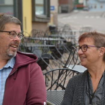 Fredagskaffe med Christel Liljeström och Mikael Grönroos: Oroliga årskullar i Nickby och rondeller utan fyrk