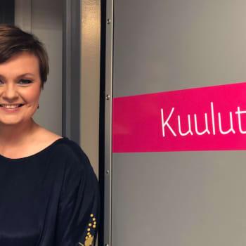 Uudenmaan alueuutisten tuottaja Tuulia Thynell välittää uutisia läheltä ja muistaa niitä kaukaa