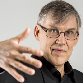 Miten soittamisen muka voisi lopettaa? Keitaan vieraana on musiikin moniottelija Timo Alakotila.