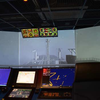 Vid sjöfartsutbilningen i Åbo följer man noga med undersökningarna kring Amorellas grundstötning