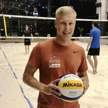 Kun muut tähtäsivät jo huipulle, Jyrki Nurminen ajoi kavereidensa kanssa mopolla – silti hän on beach volleyn kärkinimi