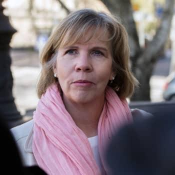 Anna-Maja Henriksson kommenterar Österbottens stora finansiella förlust i vårdreformen