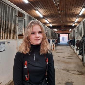 Poniravimenestyjä Elina Miettunen debytoi hienosti ensimmäisessä lämminverihevosten lähdössään