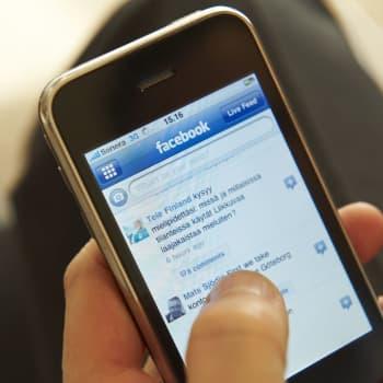 Hur mycket tänker vanliga människor på hur man beter sig på nätet?