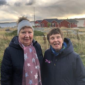 Kaksi rouvaa ensimmäistä kertaa Utössä