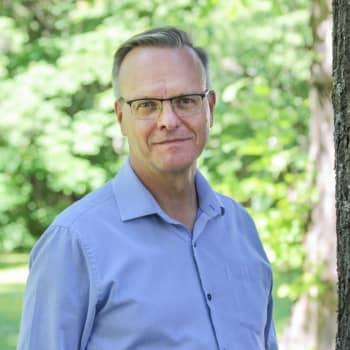 Kuusi kuvaa arkkipiispa Tapio Luoman elämästä