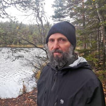 Kirjailija Tomi Kontio ja kansallispuistojen kutsu