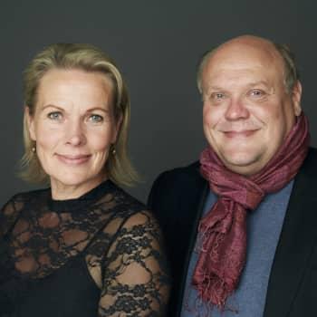 Nina Honkanen ja Hannu-Pekka Björkman kokosivat esseeteoksen pysähtymisen merkityksestä