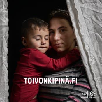 Anna-Liisa Liljefors on mukana viemässä toivon kipinää Ukrainan romaninaisille