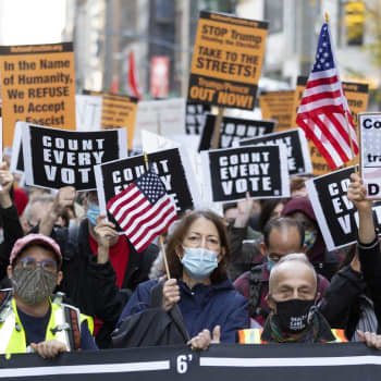 Yhdysvaltain ääntenlaskenta pitää jännityksessä koko maailmaa