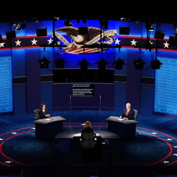 """""""Yhdysvaltain varapresidenttiehdokkaiden väittelyyn ladattiin paljon odotuksia - kumpikaan ei puhutellut liikkuvia äänestäjiä"""""""