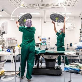 Korona on räjäyttänyt leikkausjonot ennennäkemättömän pitkiksi