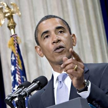Barack Obama luisti periaatteistaan, paljastaa tuore elämänkerta.