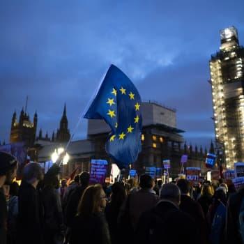 Britanniassa kiista parlamentin ja hallituksen välillä kiristyy - menettääko pääministeri no-deal -kortin?