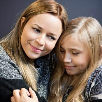 YleX Aamu: Haastattelussa Tyttö nimeltä Varpu -elokuvan näyttelijä Paula Vesala