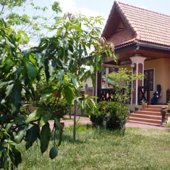 Mikko Jokinen kehitysyhteistyössä Laosissa