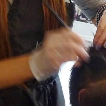 YLE Turku: Hiuksia saisi värjätä vain muutaman kerran vuodessa