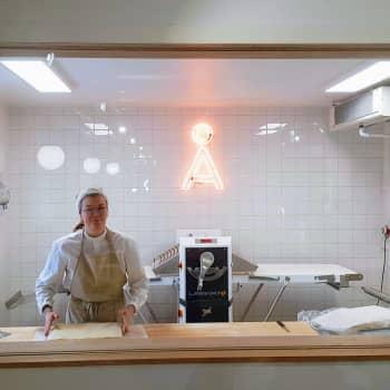 Euroopan ainoassa croissant-huoneessa Turun Kakolanmäellä kaikki leivotaan juureen ja hartaudella
