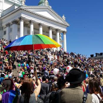 """Årets parad på Helsinki Pride splittras till mindre beståndsdelar: """"Det visar att Pride inte bara är något för innerstaden"""""""